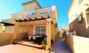 Lovely Semi-Detached Villa in Villamartin.  Ref:ks1508