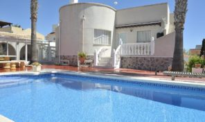 Large Detached Villa with Garage and Pool in San Miguel.  Ref:ks1509