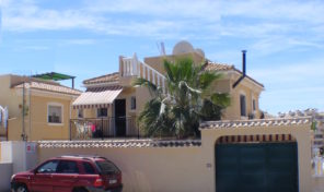 Large 4 Bedrooms Villa with Private Pool in Villamartin.  Ref:ks1525