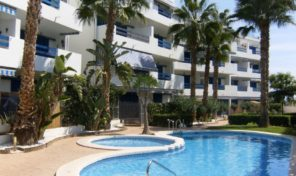 OFFER! Penthouse with Large Solarium in Playa Flamenca.  Ref:ks1482