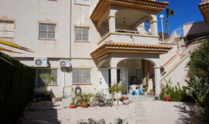 Two Apartments sold together 3 bed & 2 bed in Torrevieja.  Ref:ks1553