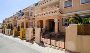Bargain. Large 3 bedrooms Townhouse in Villamartin.  Ref:ks1530