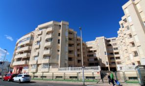 1-st Line Ground Floor Apartment in Los Locos Beach, Torrevieja.  Ref:ks1558