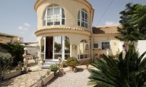 Large Semi-Detached Villa with Private Pool in Torrevieja. Ref:ks1560