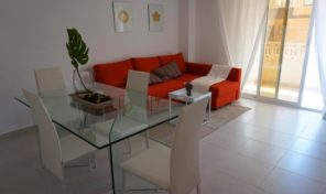 Refurbished South-Facing Apartment 500m from the Punta Prima Beach.  Ref:ks1548