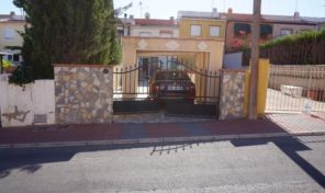 Large Townhouse with Separated Studio apartment in Los Balcones. Ref:ks1536