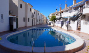 Great Beachside Apartment with Pool Views in La Zenia.  Ref:ks1570