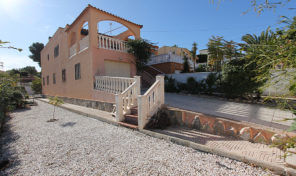 Large Semi-Detached Villa with Garage& Private Pool in Los Balcones.  Ref:ks1528