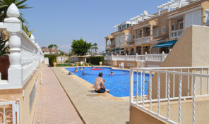 Large Townhouse with Garage with direct access to house in Playa Flamenca.  Ref:ks1571