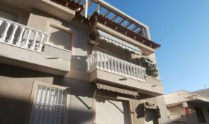 REDUCED! Apartment near the Los Locos Beach in Torrevieja.  Ref:ks1556