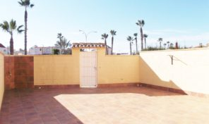 Lovely Ground Floor Bungalow in Torrevieja near the Carrefour. Ref:ks1592