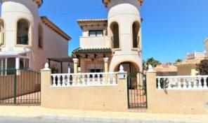 OFFER! Redused! Detached Villa in Villamartin.  Ref:ks1609