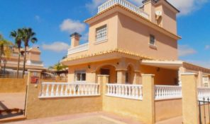 Large 4 Bedrooms Villa in Los Dolses.  Ref:ks1612