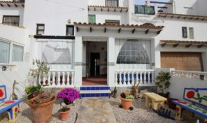Large Townhouse in Villamartin.  Ref:ks1587
