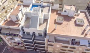 Great NEW Modern 3 bedrooms Apartment 200m from Torrevieja Beach.  Ref:ks1620