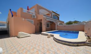 Spacious Quad House with Private Pool in Los Balcones.  Ref:ks1636