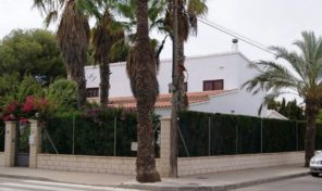 Beachside Detached Villa in Cabo Roig.  Ref:ks1626