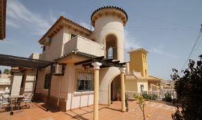 Great South Facing Detached Villa in Villamartin.  Ref:ks1616
