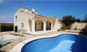 Villa with Garage, Private Pool and Large plot in Los Balcones.  Ref:ks1625