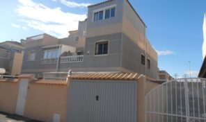 Great Condition Semi-Detached Villa in Playa Flamenca.  Ref:ks1358