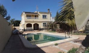 5 Bedrooms Villa with Private Pool in Cabo Roig. Ref:ks1659