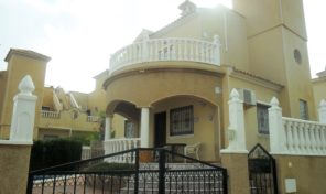 Great Detached Villa with Private Pool in Villamartin.  Ref:ks1676