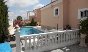 Large Detached Villa with Private Pool in Villamartin.  Ref:ks1654