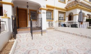 Great 3 bedrooms Townhouse near the Carrefour in Torrevieja.  Ref:ks1669