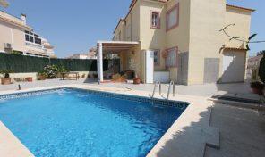 Ground Floor Bungalow with Large Private Pool in La Zenia.  Ref:ks1647