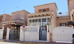 Large 4 Bedrooms Townhouse in Los Altos.  Ref:ks1714