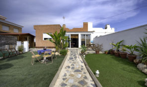 Semi-Detached Villa with Private Pool in Torreta Florida, Torrevieja.  Ref: mks1735