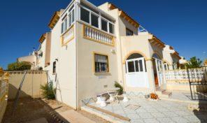 Large 4 bed Corner Townhouse in Playa Flamenca.  Ref:ks1765