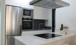 New Key Ready Apartment in Center Torrevieja.  Ref:ks1773