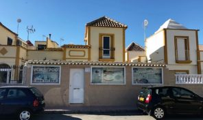 Great Quad with Jacuzzi next to Carrefour in Torrevieja.  Ref:ks1764