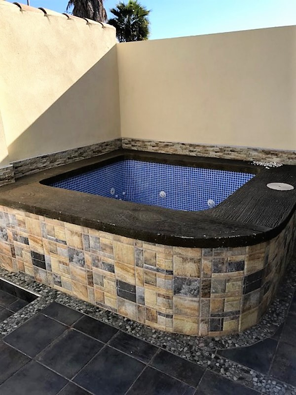 Jacuzzi Torrevieja.Great Quad With Jacuzzi Next To Carrefour In Torrevieja Ref