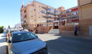 Lovely Apartment with Communal Pool in Torrevieja.  Ref:ks1771
