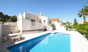 Large Detached Villa with Private Pool in San Miguel de Salinas.  Ref:ks1772