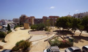 Apartment with Large Balcony in Torrevieja.  Ref:ks1756
