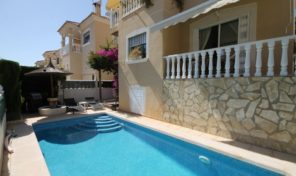 Great Villa with Private Pool and Separated Apartment in Villamartin.  Ref:ks1775