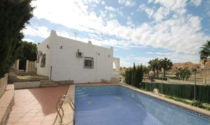Great Investment. Villa with Private Pool& Garage in Villamartin.  Ref:ks1827