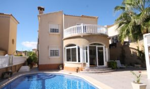 Luxury Villa with Private Pool in Villamartin.  Ref:ks1825