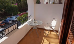 REDUCED!Spacious South Facing Apartment in Villamartin Plaza.  Ref: mks1820