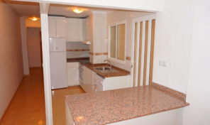 REDUCED!Refurbished 4 bed Ground Floor Apartment in Center Torrevieja.  Ref: mks1843