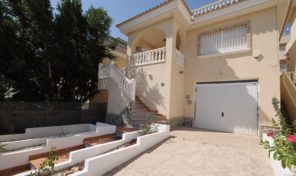 Large Detached Villa with Garage in Villamartin. Ref:ks1870