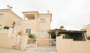 Corner Plot Villa with Separated Apartment in Villamartin.  Ref:ks1850