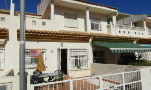 Beachside 3 bed Townhouse in Cabo Roig.  Ref:ks1869