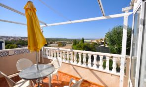 Lovely Top Floor Apartment in Punta Prima.  Ref:ks1855