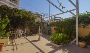 Great Ground Floor Bungalow with Large Plot in Torrevieja.  Ref:ks1876