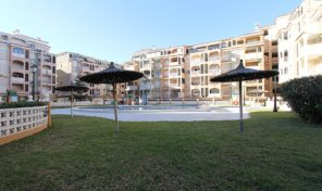 Lovely Apartment with Large Balcony in Torrevieja.  Ref:ks1868