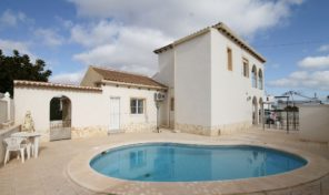 Spacious 4 bed Detached Villa With Private Pool in Villamartin.  ref:ks1894